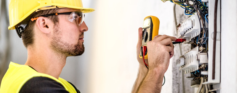 Commercial Electrician in Hickory, North Carolina