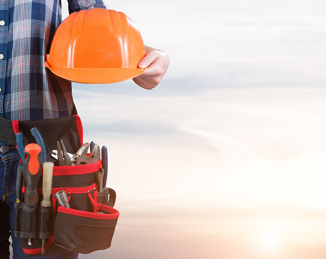 3 Tips for Hiring Electrical Contractors